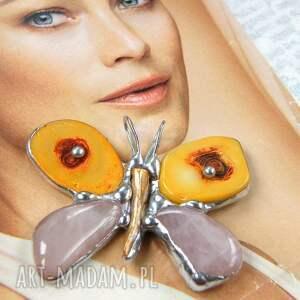 wisiorek motyl pomarańczowo - różowy, z kamieni, kamień, kwarc