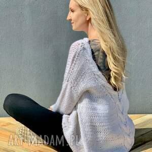 swetry wełniany sweter z dużym dekoldem, sweter, wełnianysweter, nadrutach