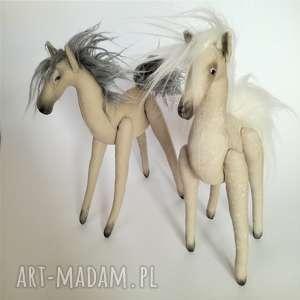 Prezent KONIKI PARA - figurki tekstylne ręcznie szyte i malowane, bawełna, konie