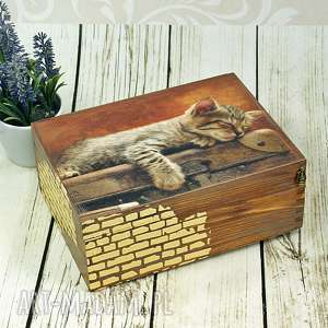 Drewniane pudełko szkatułka - śpiący kociak pudełka shiraja kot,