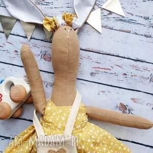 maskotki pani królik z wyszytym imieniem, prezent, chrzciny, muślin, szmacianka