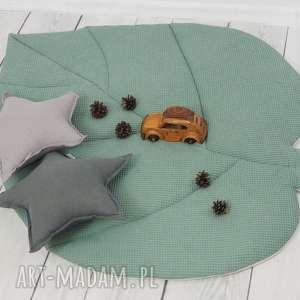 Duża mata liść zgaszona zieleń waffle cotton pokoik dziecka