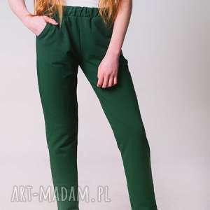 spodnie w kolorze zieleni butelkowej, fitness, moda, 3foru, dress, wygoda