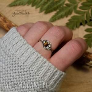 pierścionek regulowany z tygrysim okiem, stal chirurgiczna
