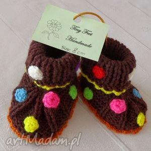 ręczne wykonanie buciki niemowlęce - wesołe kropeczki
