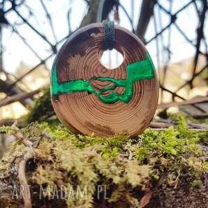 Wisior Cracked Knot , wisior, żywica, drewno, butelkowa, las, leśne