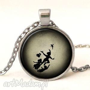 ręcznie wykonane naszyjniki piotruś pan - medalion z łańcuszkiem
