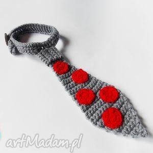 pod choinkę prezent, krawat w czerwone kropki, krawat, czerwone