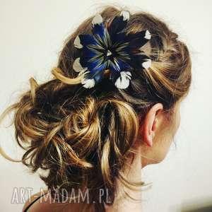 handmade ozdoby do włosów z naturalnych piór - kwiat