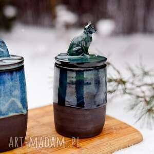 ręcznie zrobione ceramika kamionkowy pojemnik na różności z figurką konia - smaragd 750