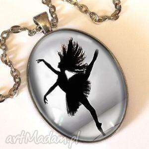 baletnica - owalny medalion z łańcuszkiem - czarne, tancerka