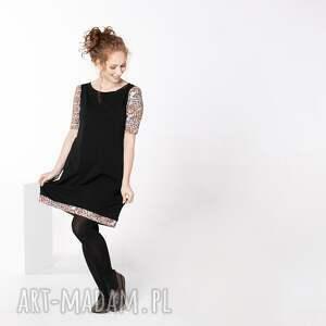 sukienki sunkienka prosta z rękawami marszczonymi i kieszeniami, mała czarna