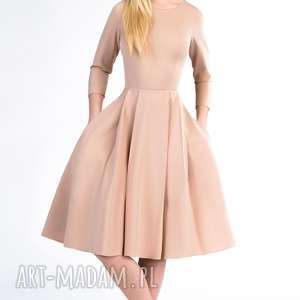 Sukienka ZUZA Midi Cappucino, cappucino, kieszenie, rozkloszowana, jasna, zakładki