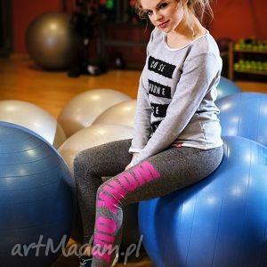 sportowe efektowne legginsy z modnym napisem work out, legginsy, młodzieżowe