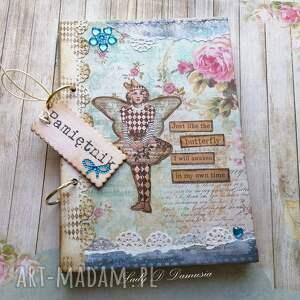 Prezent Stylowy pamiętnik na sekretne zapiski, notes, motyl, gwiazdy
