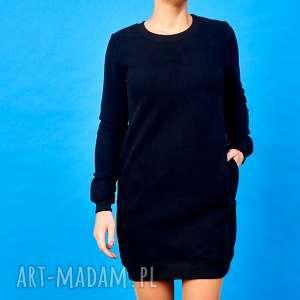 wyjątkowy prezent, czarna sukienka dresowa, sukienka, sportowa