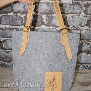 hand made na ramię torebka z filcu na ramię z beżową skórą