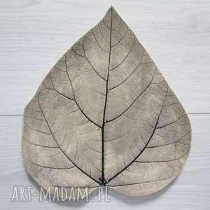 dekoracyjny talerz liść, dekoracja stołu, patera roślinna