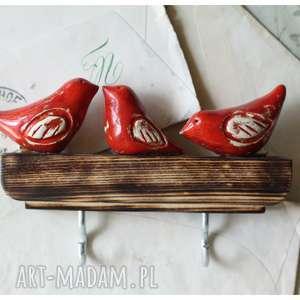 handmade wieszaki wieszak z czerwonymi ptaszkami krótki