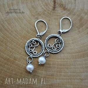 kolczyki z perłami ze stali chirurgicznej, wire wrapping, kolczyki, koła, kółka