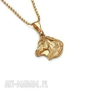 koń mini wisiorek ze złoconego srebra, biżuteria z końmi, delikatny