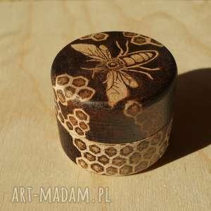 pszczeli skarbczyk - puzderko drewniane ręcznie wypalane - miód