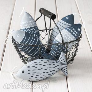 pomysł na upominek święta ryba - szara zawieszka, dekoracja, ozdoba, zawieszka