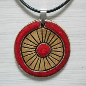 czerwony etniczny naszyjnik, ceramiczny, wisiorek, na prezent, rzemieniu