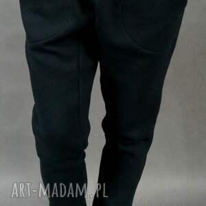 Baggy LilYo : czarne, baggy, ciepłe, streetwear, obniżonykrok, dresowe