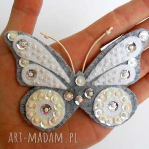Biały motyl - broszka z filcu, filc, motyl, broszka, cekiny, dziecko, biżuteria