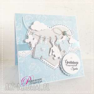 scrapbooking kartki kartka gratulacyjna z okazji narodzin chłopca sznurek ubrankami