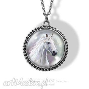 medalion, naszyjnik - biały koń, naszyjnik, kamea, retro, koniem