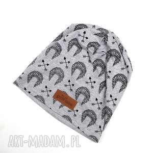 czapka beanie indiańska pióropusz, kolorowa, prezent