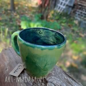 kubeczek z zielonym listkiem, ceramika, kubek, liść, filizanka