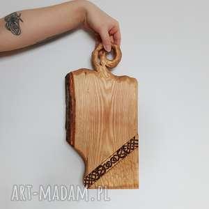 dom jesionowa deska do serwowania pagan knot