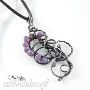 sign - naszyjnik z kryształkami, naszyjnik, wisior, fiolet, secesja, kryształki