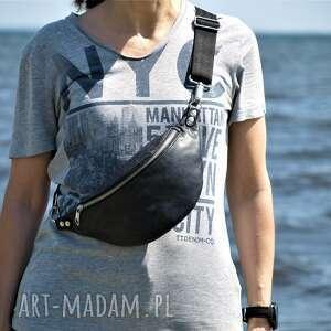 czarna skórzana nerka, nerka, przez ramię, na pas, prezent, torebka