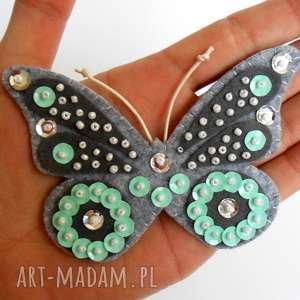 Miętowy motyl - broszka z filcu, motyl, broszka, filc, cekiny, biżuteria, dziecko