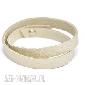 biżuteria b08-05al kremowa bransoletka ze skóry zawijana wokół dłoni dwa razy
