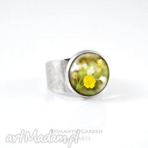pierścionek - żółty kwiat kolor srebrny