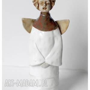 handmade ceramika aniołek komunijny stojący