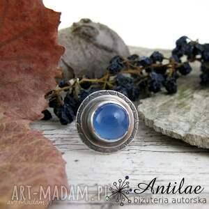 niebieski pierścionek, pierścionek srebrny z agatem brazylijskim, srebro oksydowane