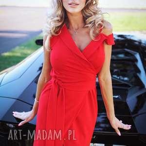 elegancka czerwona sukienka z asymetrycznym ramiączkiem, elegancka, wizytowa