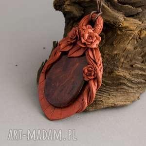 Wisior w stylu retro z motywem drzewa różanego, miedziany, jaspis, wisior, naszyjnik