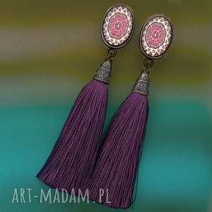 kolczyki z chwostami fioletowymi i wzorzystymi kaboszonami, boho, etno, lato