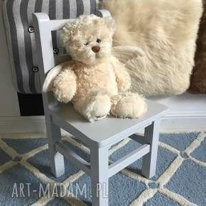 Pokoik dziecka wnetrze z gustem krzesełko, drewniane