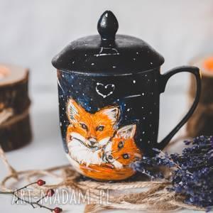 lisy kubek z pokrywką i zaparzaczem idealny do herbaty, ręcznie malowany