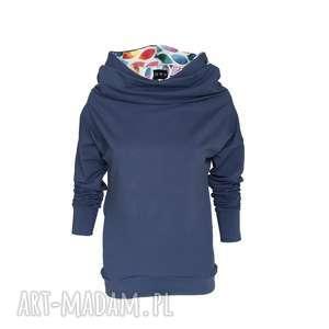 Niebieska bluza wykończona kolorowymi łezkami, niebieskabluza, pastelowyniebieski