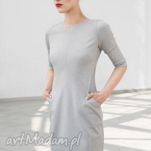 Sukienka prosta z cięciami SZ, sukienka, prosta, dzianina, szara, codzienna