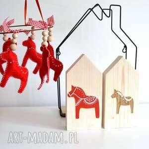 2 domki z konikiem - konik, folk koń, domek, drewniany